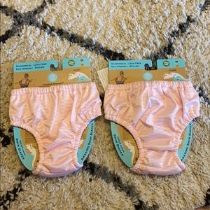 🌊 Set of two reusable swimming diapers